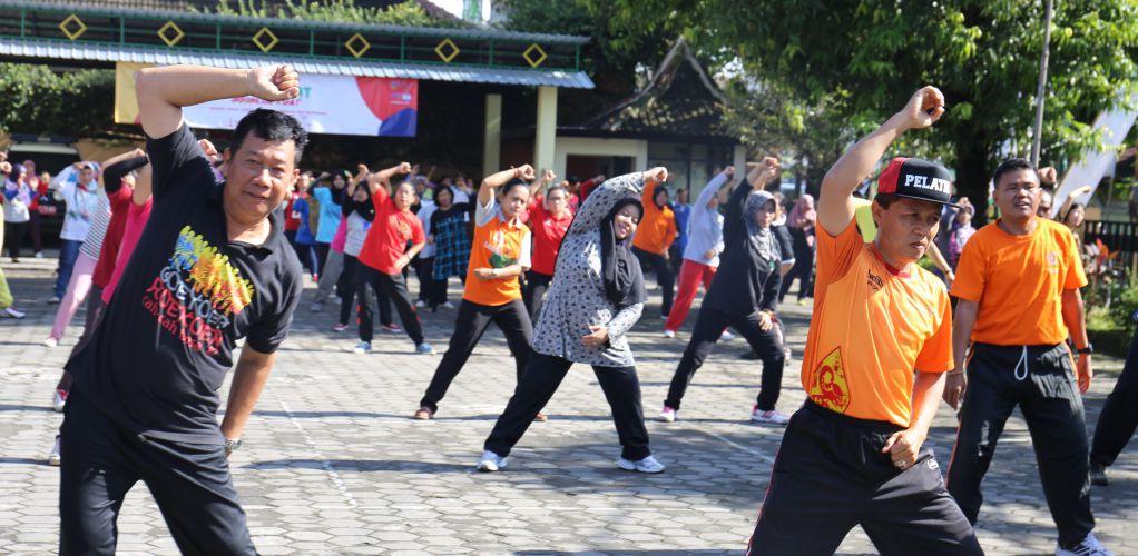 Senam Bersama dan Lomba dalam rangka HKN, Pembiasaaan Aktivitas fisik